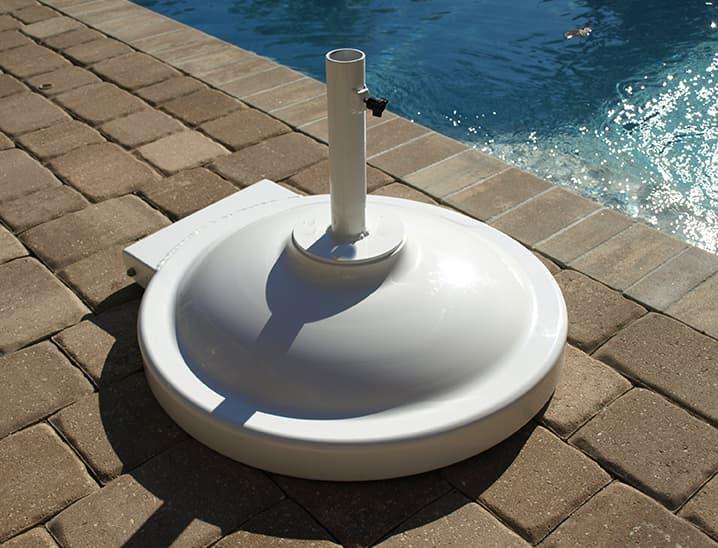 Round white base